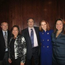 """WashingtonExec MARCOM Committee Closes Out 2014 with Chairperson-led Discussion on """"Insourcing v. Outsourcing: What's Best for Your Organization"""""""