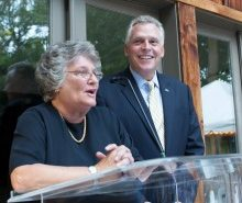 Gov. Terry McAuliffe  and Northern Virginia Technology Council President and CEO Bobbie Kilberg at the 2015 Hot Ticket Awards.