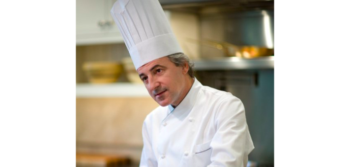 Former White House Chef Offers Online Cooking Classes